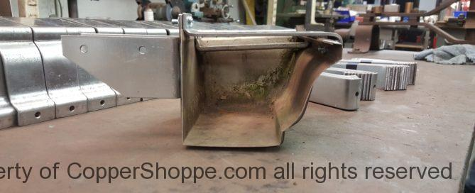 Commander K-Style Gutter Brackets in Galvanized Steel for Rafter Mount with Spreader Tension Bars